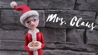 How to make Mrs. Claus Christmas Cake Topper