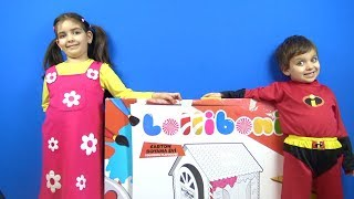 Niloya kostümü giyen Azra İnanılmaz Selim Karton Boyama Evi Johny Johny Yes Papa Kids Pretend Play