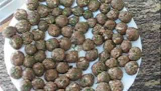 preview picture of video 'Meatballs tomato soup- شوربة كفته'