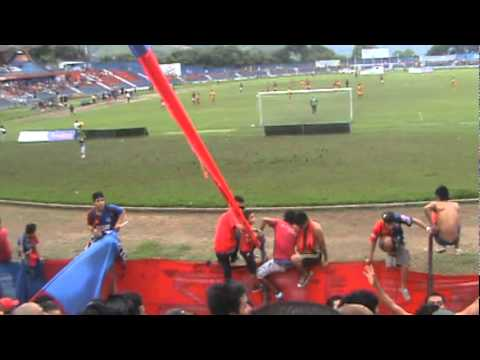 """""""LA TURBA ROJA  2011 parte3"""" Barra: Turba Roja • Club: Deportivo FAS"""