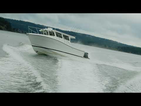 Ocean Sport Roamer 30' Outboard video