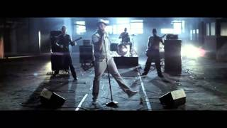 Chris Brown - Chase our love - Graffiti - HD