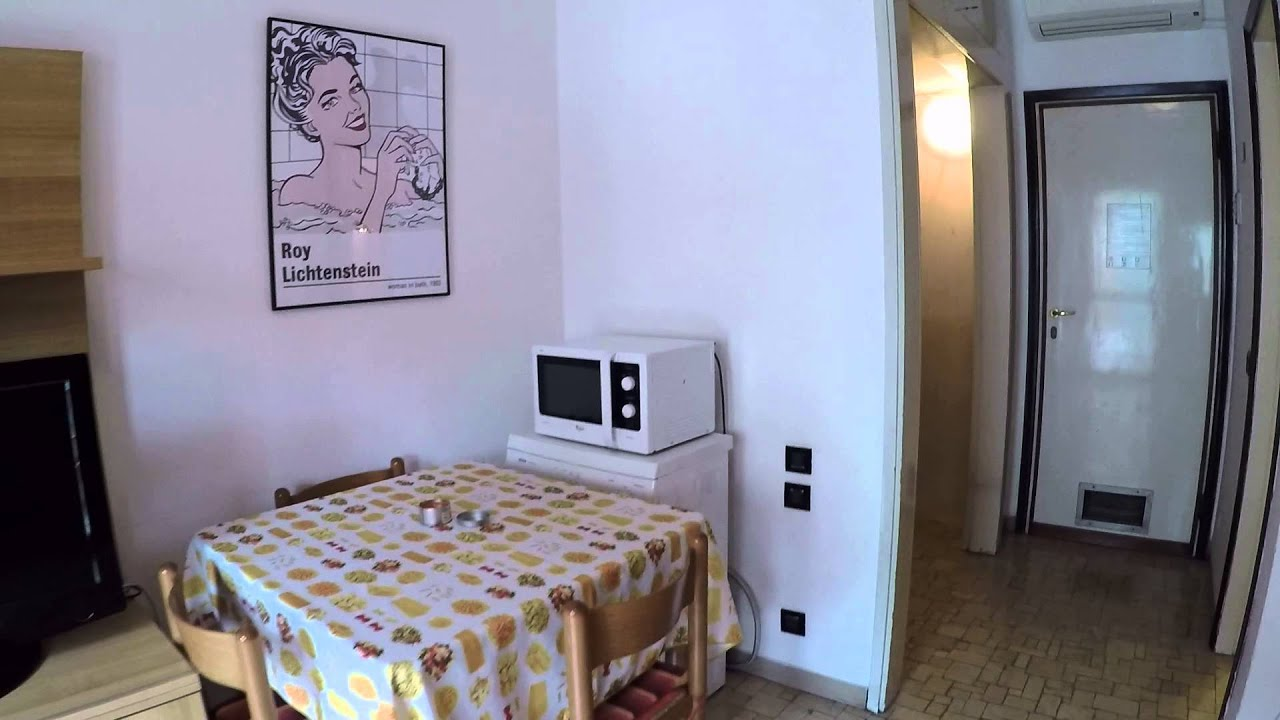 Great room with TV in apartment, Sesto San Giovanni