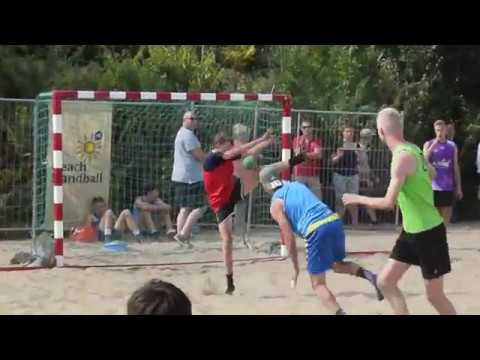 Twee dagen strandhandballen om het Nederlands kampioenschap bij Biddinghuizen