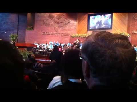 Tyronne Stoudemire singing at Apostolic Church of God 2012