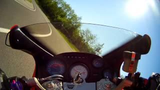 preview picture of video 'La-Ce Leithagebirge Triumph Sprint ST vs BMW F800GS'