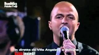 Subsonica live-(Liberi Tutti + Piombo) -Tuttiinpiedi- Bologna-17 giu 2011