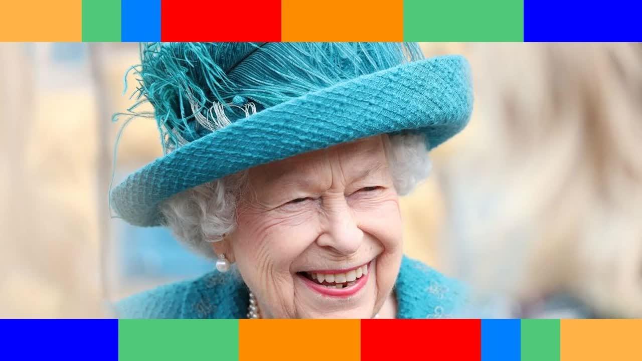 Elizabeth II  cette première dame cultissime qui avait couvert son couronnement incognito