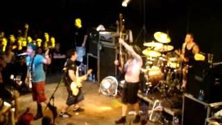 NOFX - Fuck The Kids / Linoleum (23/08/2011 - Live in Prague)