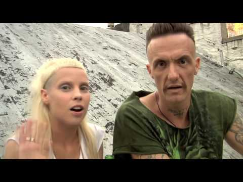 Favourite moments from Die Antwoord interviews (видео)