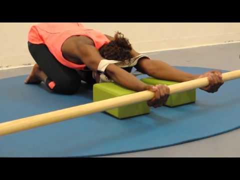 , title : 'Downward Facing Dog Yoga Adho Mukha Svanasana EasyFlexibility'
