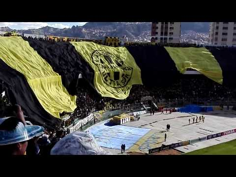 """Recibimiento Atigrado (The Strongest vs Bolivar)"" Barra: La Gloriosa Ultra Sur 34 • Club: The Strongest"