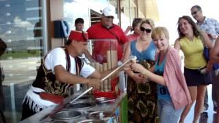 как в турции продают мороженное