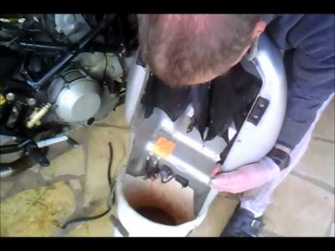 comment nettoyer reservoir essence moto la r ponse est sur. Black Bedroom Furniture Sets. Home Design Ideas