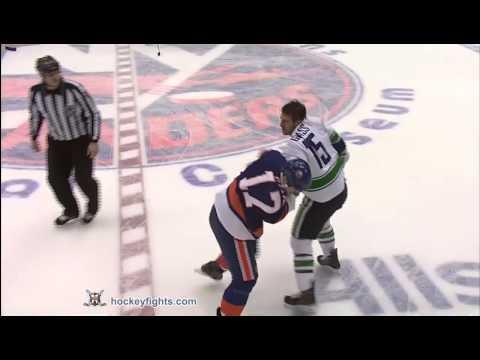 Tanner Glass vs Matt Martin