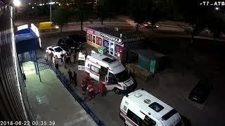 Поножовщина возле АТБ-маркет 2018.06.22 00:11. Ножевое ранение, драка