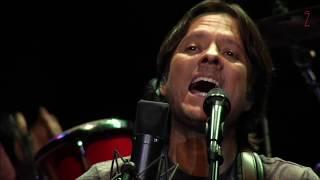 Al otro lado del mundo (En Vivo) - Hernaldo Zuñiga (Video)