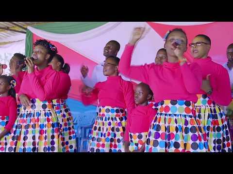 Angaza Singers - Kisumu latest perfoming live at victory SDA church Kisumu - Aishie Ndani yangu
