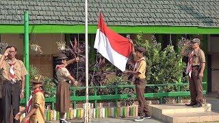 Peringati Hari Pramuka, Siswa Penyandang Disabilitas YPAC Surakarta Adakan Upacara Bendera