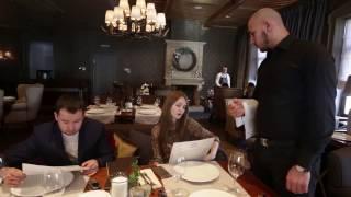 Прикол с девушкой в ресторане Rossinsky - almazstudio