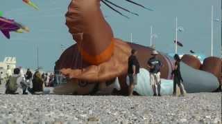 preview picture of video 'Festival International de Cerf-Volant de Dieppe 2012 - Kite Festival Dieppe 2012'