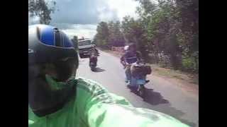 preview picture of video 'Vespa touring to Phú Quốc, Đường dọc biên giới Mộc Hoá - Hồng Ngự'
