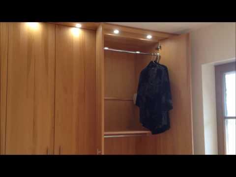 Schlafzimmer - Kleiderschrank, Bett, Kernbuche massiv