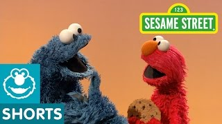Sesame Street: Elmo And Cookie Play A Guessing Game