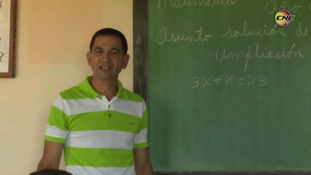 Edel Reyes: Un maestro que desde la montaña hace revolución