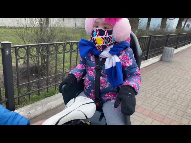 Видео Детское велокресло Polisport KOOLAH FF 29 cream-light green
