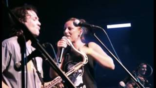 TABLETOM feat. LA MARI (Chambao) - Me Estoy Quitando (live)