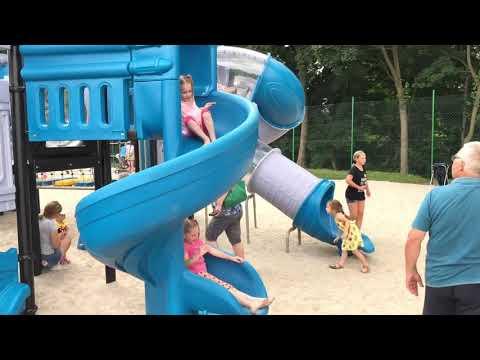 Wideo1: W Poniecu otwarto nowy plac zabaw
