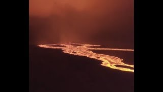 "Breaking Earthquake WARNING: ""Hot LAVA Flowing In Hawaii"" Liquid Flames Leaping High Tonight"