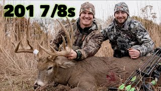 The Hunt For Lightning! A Monster 201 7/8s Iowa Bow kill!| Bowmar Bowhunting |