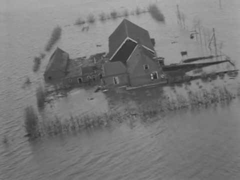 Lezing over watersnoodramp van 1953 bij vrouwenvereniging Taveno in Swifterbant