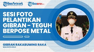 Foto Bareng di Lokasi Pelantikan, Gibran-Teguh Pose Metal dan Serukan Yel-yel: Gotong Royong, Sukses