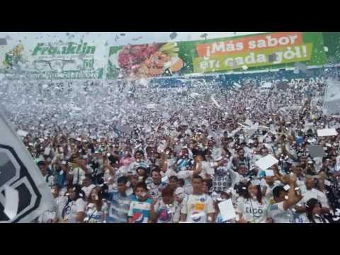 """""""Espectacular recibimiento de la Barra Brava 96 de Alianza FC"""" Barra: La Ultra Blanca y Barra Brava 96 • Club: Alianza"""