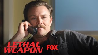 Extrait | Riggs Calls Maureen From Her Office [VO]