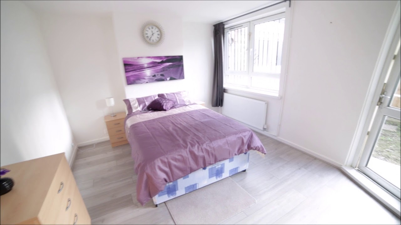 Double bed in Rooms to rent in renovated 4-bedroom flat in Tower Hamlets