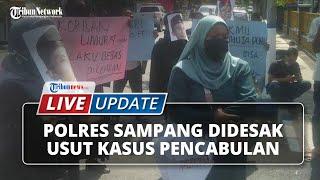 Kesal Pelaku Pencabulan Anak 4 Tahun Tak Kunjung Ditangkap, LSM & Ibu Korban Demo ke Polres Sampang
