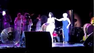 """Sezen Aksu """"Sarışınım"""" With Ara Dinkjian And Arto Tunçboyaciyan (Kardeş Türküler Live)"""