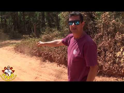 Estrada da Laranjeira coberta de poeira produzida pelo Sistema Produtor São Lourenço