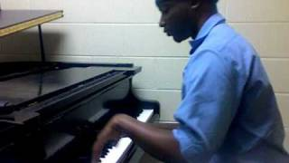 Kanye West - All Of The Lights ft Rihanna piano cover (interlude)