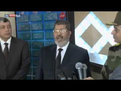 مراسل سكاي نيوز لمرسي ألا تشعر برغبة في زيارة مبارك !