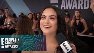"""E! People's Choice Awards 2018   Camila Mendes Gets a """"Riverdale"""" Surprise"""