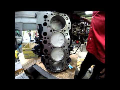 Фото к видео: overhaul Nissan TD27