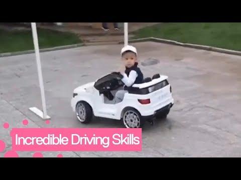 Τετράχρονος πιτσιρικάς... εξπέρ στην οδήγηση