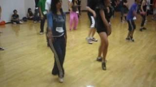 Shake it like a POM POM