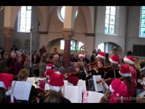 Andrea Pieper - Jingle Bells door strijkersensemble in Oploo
