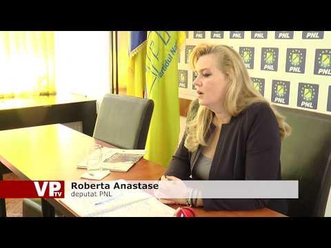 Robertei Anastase nu-i miroase-a bine
